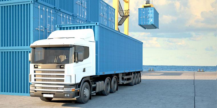 transport de conteneurs maritimes